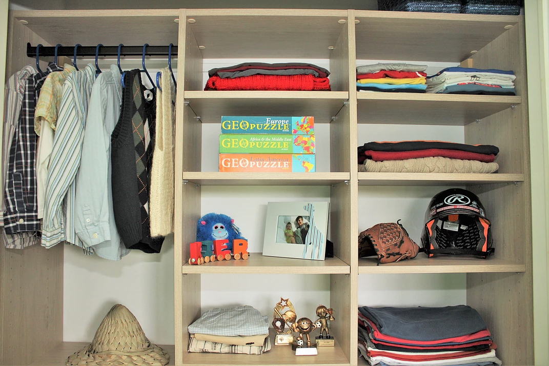 teen boys closet design