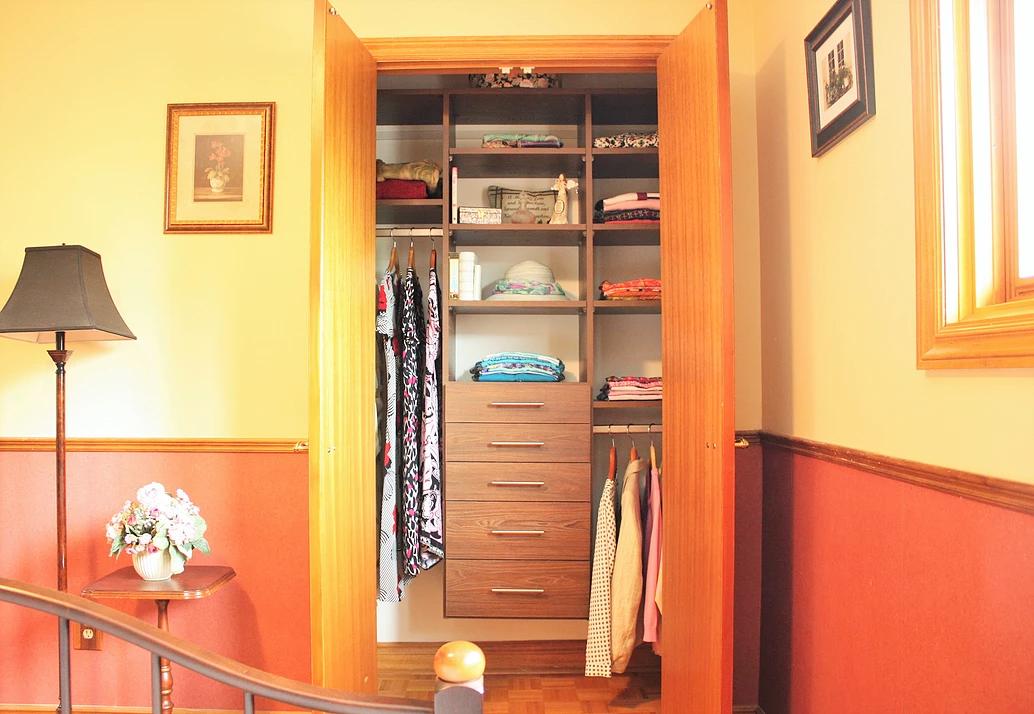 lady bedroom closet